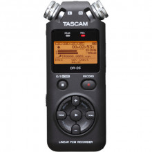 Цифровой диктофон Tascam DR-05 (Black)