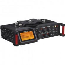 4-дорожечный рекордер для DSLR и видеокамер Tascam DR-70D